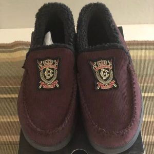 DC Villain shoes Burgundy With Emblem Size 6